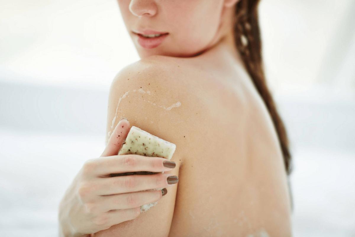 szappannal_furdes
