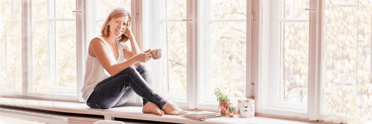 Arcápolás virágvízzel, meditáció és jóga – avagy egészséges életvitel francia módra